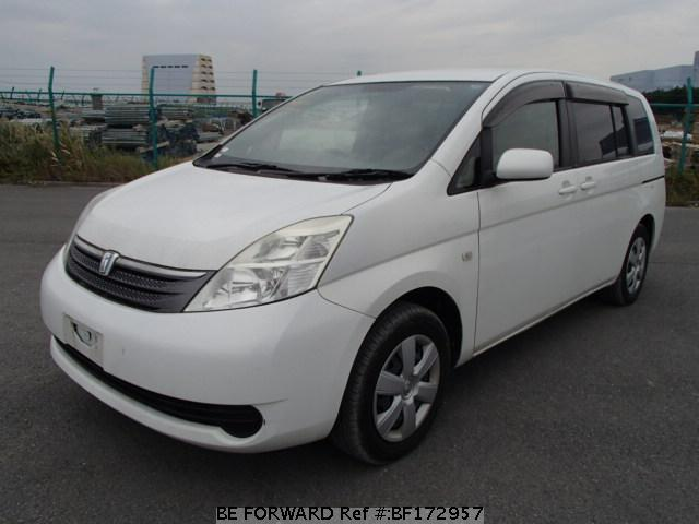 Used 2005 TOYOTA ISIS BF172957 for Sale